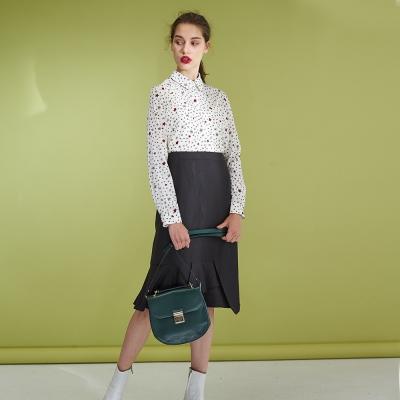 ICHE衣哲 設計款顯瘦魚尾打摺拼接羊毛造型半長裙