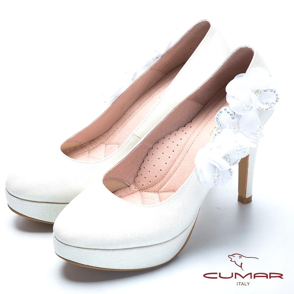 CUMAR純色典雅 水鑽花朵高跟鞋-白