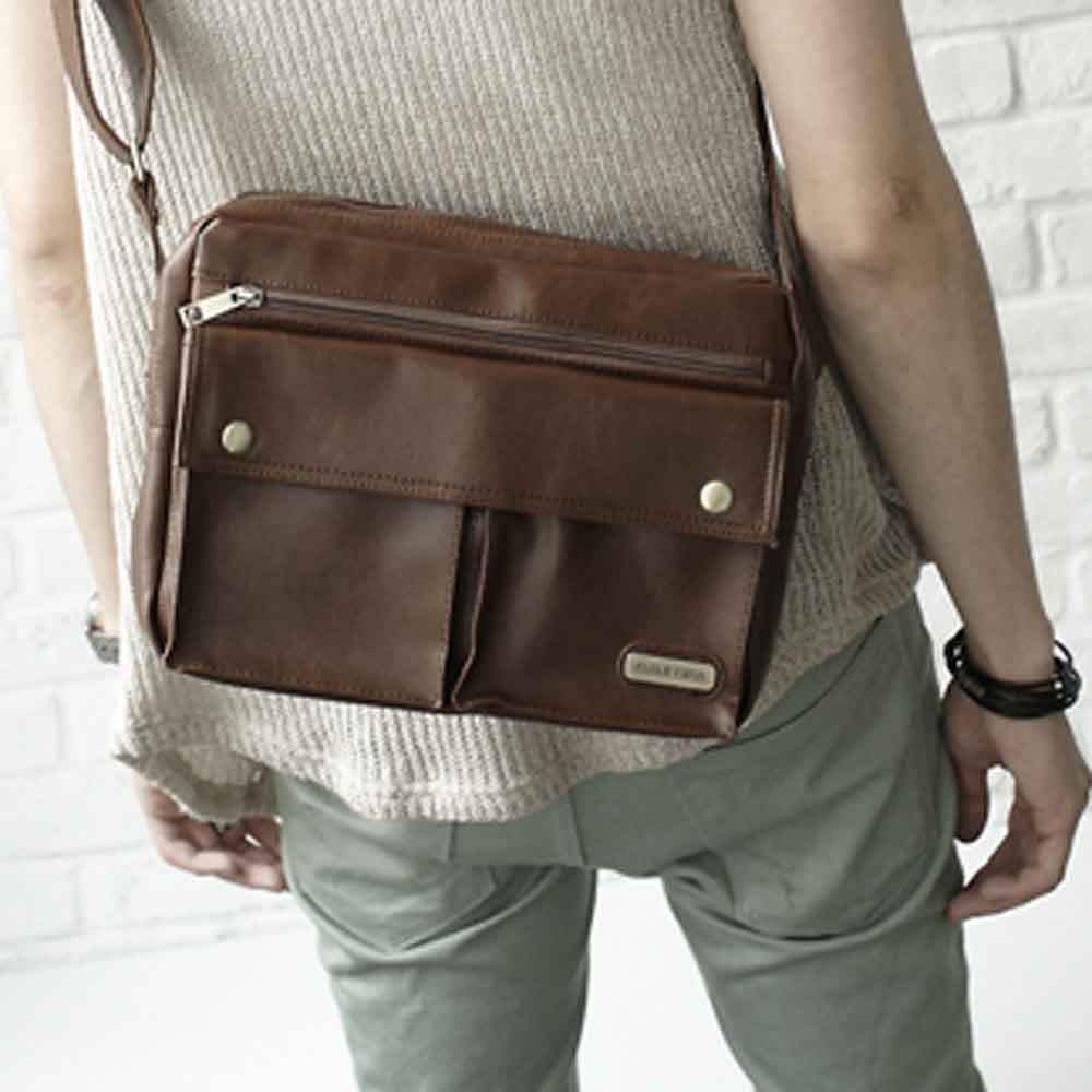 DF【BAG SCHOOL】潮流系復古皮革美學多功能實用側背包