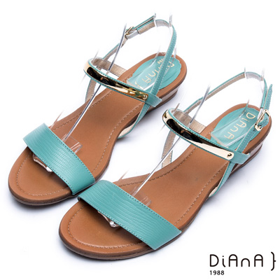 DIANA 極簡韓風--金屬飾片點綴真皮楔型涼鞋 –薄荷綠