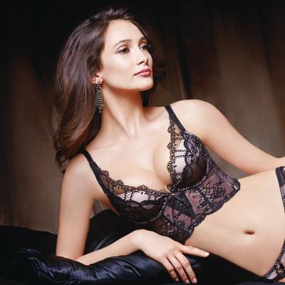 La Felino - 秘密情人深V無縫泡棉款B-E罩杯內衣 (神秘黑)