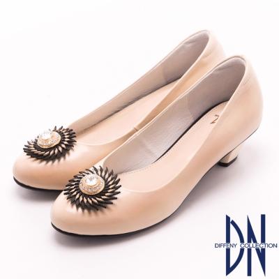 DN-經典MIT-典雅復古水鑽真皮低跟鞋-米