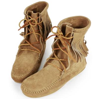 MINNETONKA 沙棕色麂皮單層流蘇 中筒靴 經典必備 (展示品)