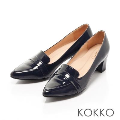 KOKKO-時髦尖頭真皮樂福粗跟鞋-黯深藍