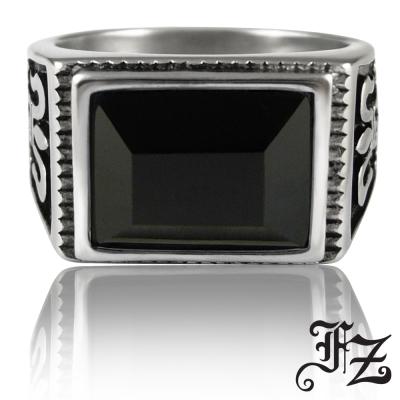 FZ  圖騰寶石白鋼戒指-黑(戒圍可選)