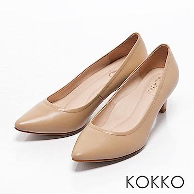 KOKKO -亮麗通勤尖頭全真皮高跟鞋-裸卡其
