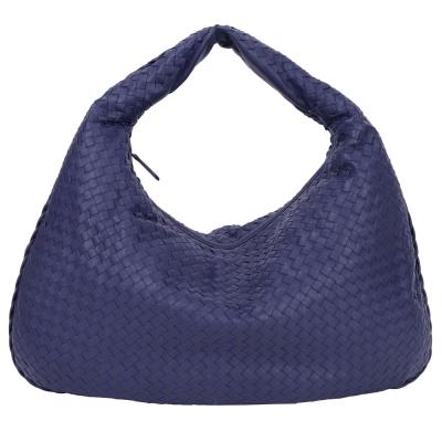 BOTTEGA VENETA Intrecciato Maxi小羊皮編織肩背包(大/藍色)