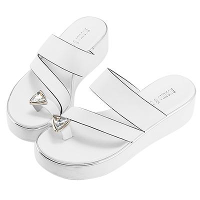 Robinlo & Co.Z字帶牛皮鑽飾穿趾厚底拖鞋 白色