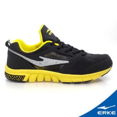ERKE 鴻星爾克。男運動常規慢跑鞋-正黑/正黃