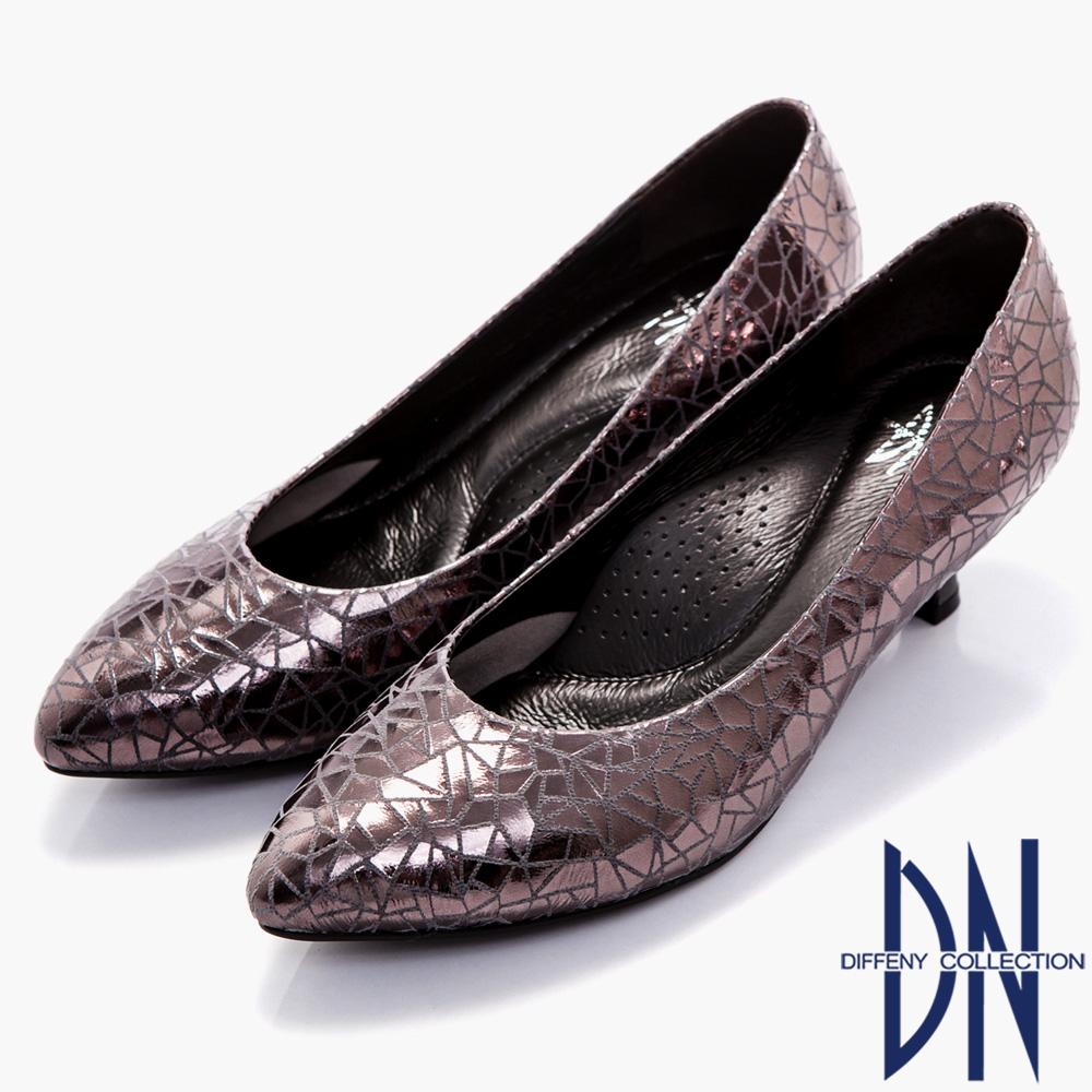 DN 時尚名媛 MIT全真皮光澤感尖頭跟鞋-黑