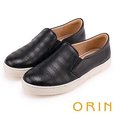ORIN 引出度假氣氛 沖孔牛皮休閒平底便鞋-黑色