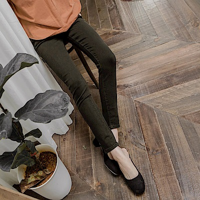 腰圍鬆緊開釦設計純色彈力窄管褲-OB嚴選