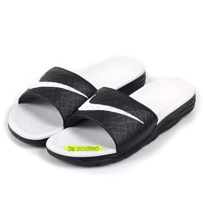 (女)NIKE BENASSI SOLARSOFT 拖鞋 705475-010