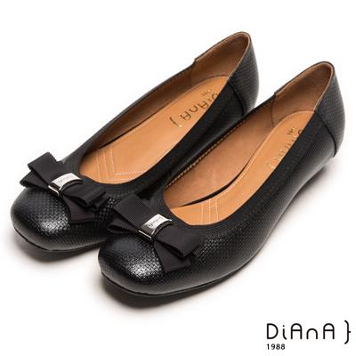 DIANA 氣質出眾--方頭緞面蝴蝶結滾邊真皮跟鞋-黑