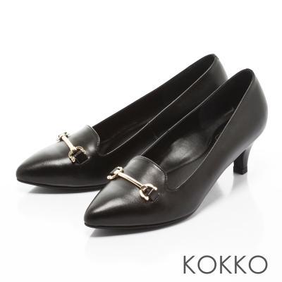 KOKKO-經典尖頭馬蹄扣真皮高跟鞋-雍容黑