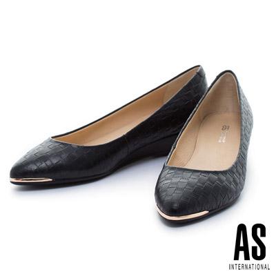 AS-金屬風典雅編織壓紋羊皮尖頭楔型鞋-黑