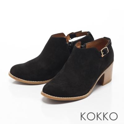 KOKKO-精品手感羊麂皮側鏤空粗跟踝靴-黑