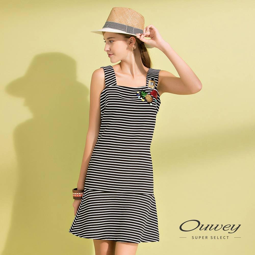 OUWEY歐薇 立體條紋吊帶背心洋裝(黑)