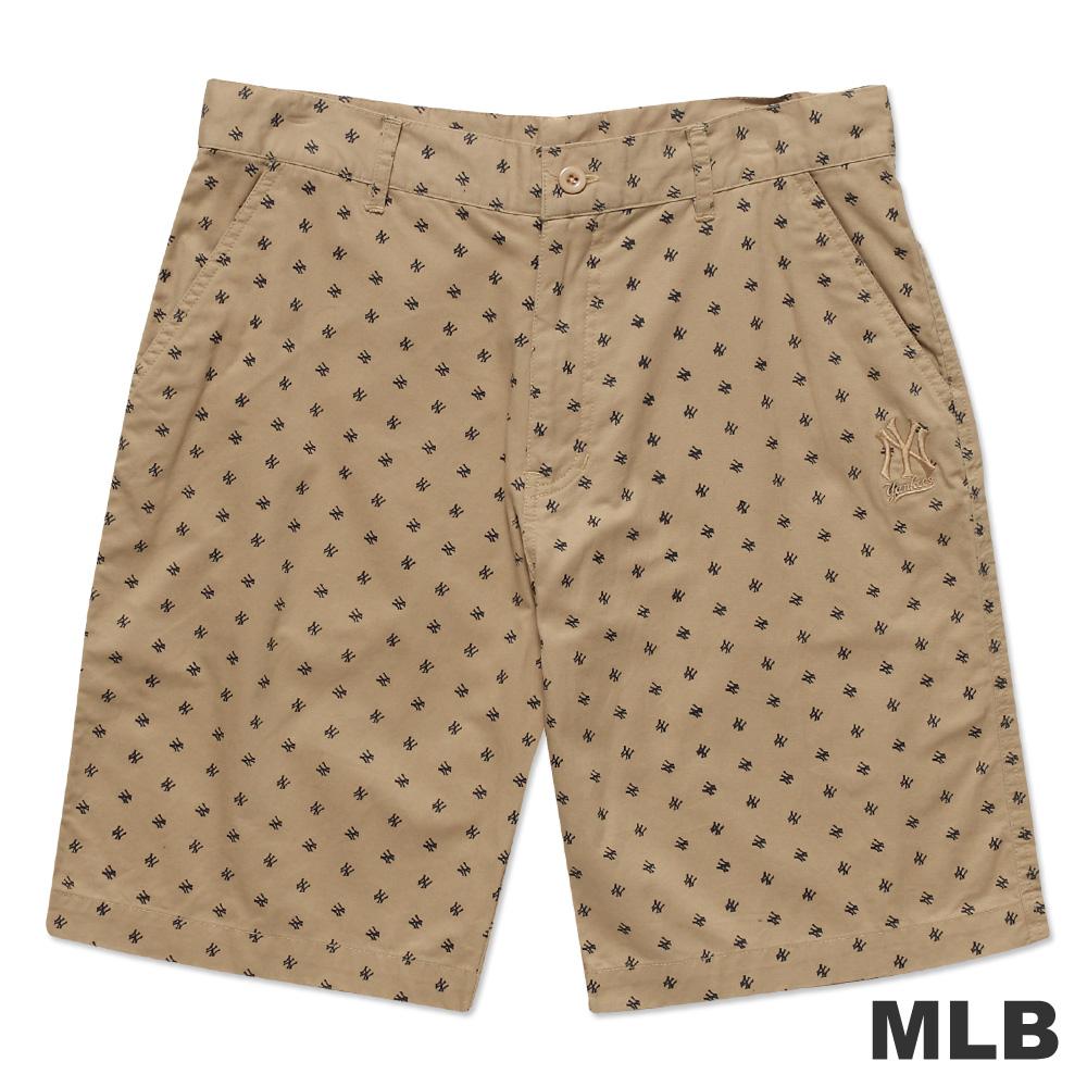 MLB-紐約洋基隊滿版LOGO休閒印花短褲-淺卡其(男)