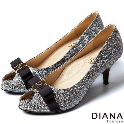 DIANA 超厚切焦糖美人--緞面蝴蝶結真皮跟鞋-五彩黑