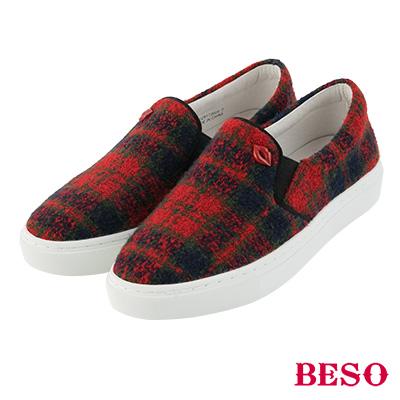 BESO英倫女孩 經典格子紅唇休閒鞋~紅