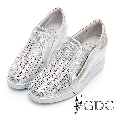 GDC-真皮方孔鑲鑽素面金屬感休閒鞋-銀色