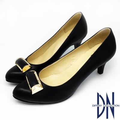 DN-低調優雅-魅力金屬飾扣尖頭跟鞋-黑