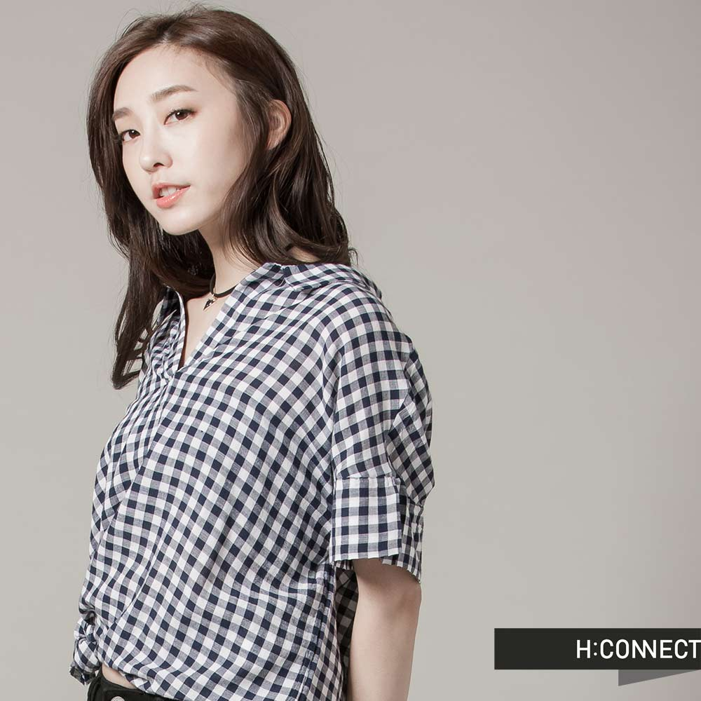 H:CONNECT韓國品牌女裝開襟格紋長版襯衫深藍