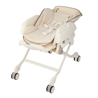 【麗嬰房】Combi Letto 手動安撫餐椅搖床 DX款 象牙白