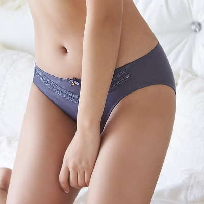 蕾黛絲- 挺素面V版型M-EL低腰內褲(灰)