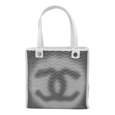 CHANEL 經典雙C LOGO波浪造型手提肩背包(黑/白)-展示品