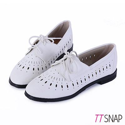 TTSNAP牛津鞋-真皮雕花沖孔綁帶低跟鞋-白