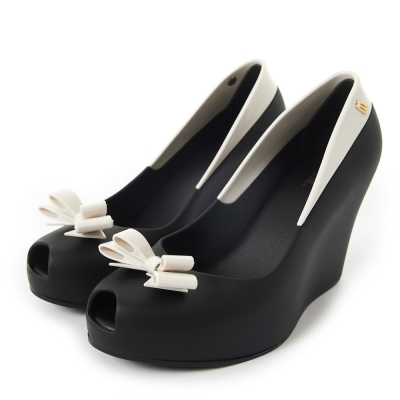 MELISSA-撞色蝴蝶結楔型魚口鞋-黑-白