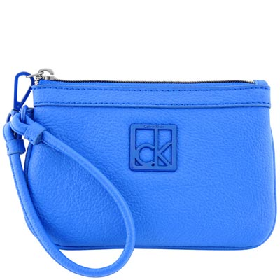 Calvin Klein 藍色皮革壓紋手拿包