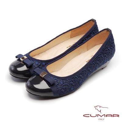 CUMAR優雅拼接立體勾花蕾絲拼接楔型低跟鞋藍