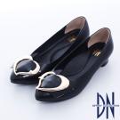 DN 巴黎時尚 全真皮尖頭拼接金屬飾扣跟鞋 黑