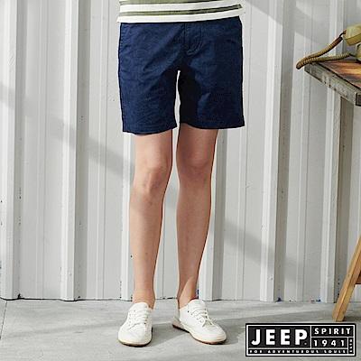 JEEP 女裝 夏日風情印花休閒短褲-深藍色