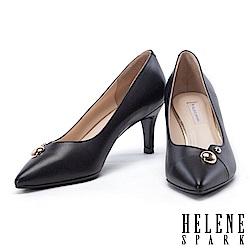高跟鞋 HELENE SPARK 金屬圓釦羊皮尖頭高跟鞋-黑