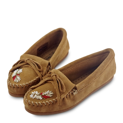 MINNETONKA X MOKO 限量款羽毛串珠麂皮莫卡辛平底鞋-褐色 (展示品)