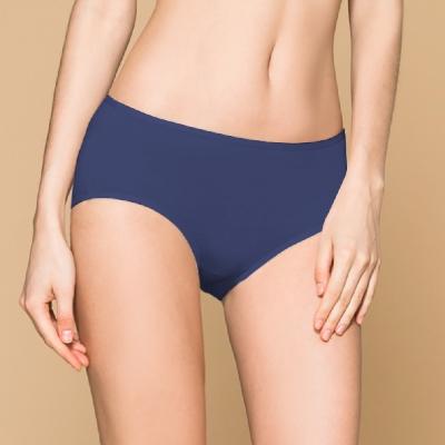 台灣製 保養級天然蠶絲蛋白低敏感透氣 M-XL 中腰內褲 群青藍 可蘭霓Clany