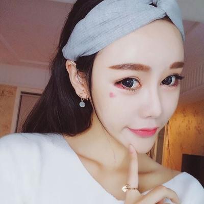 梨花HaNA 韓國低調時尚金屬星星迷你絨布粉球