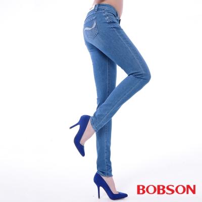 BOBSON 女款低腰膠原蛋白彩色小直筒褲-淺藍
