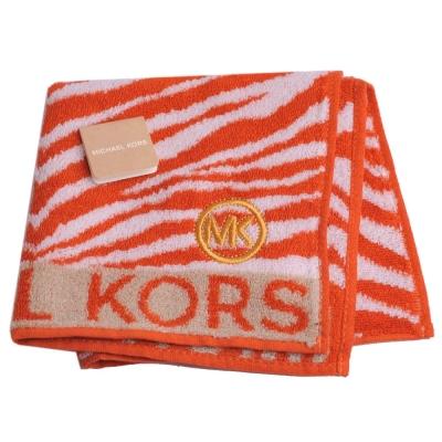 MICHAEL KORS 品牌字母MK LOGO MK斑馬紋圖騰方巾(橘/白)