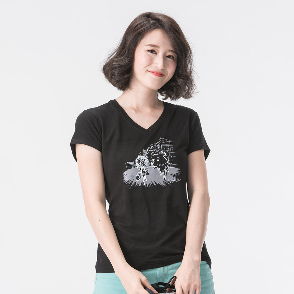 【SNOWFOX 雪狐】女款V領防曬透氣吸濕排汗短袖聯名圖T恤 AT-81621W 黑