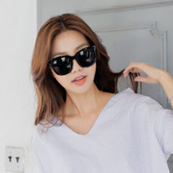 梨花HaNA 時髦韓妞女星私著大框太陽眼鏡-不透黑