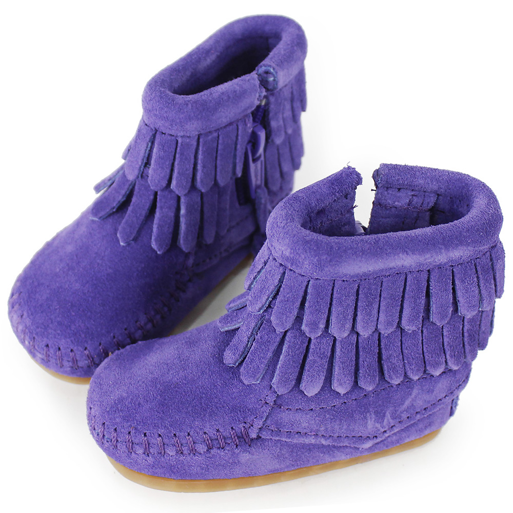 MINNETONKA 紫色雙層流蘇麂皮莫卡辛 嬰兒短靴 (展示品)