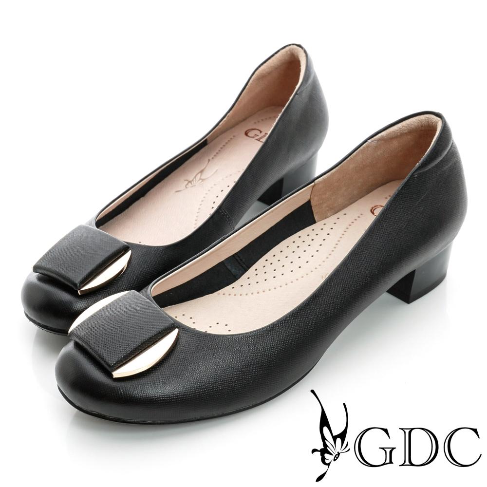 GDC都會-細格紋面料金屬飾扣真皮低跟鞋-黑色