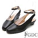 GDC-真皮透氣後空圓頭包鞋-黑色