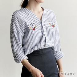 上衣 前後V領條紋刺繡垂肩襯衫 二色-mini&me