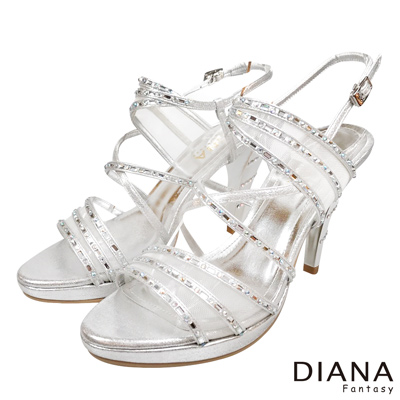 DIANA-線條造型-微透系璀璨水鑽繞帶涼跟鞋-銀